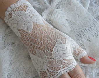Pretty fingerless gloves ivory lace, ivory lace, ivory mesh lace arm warmers fingerless gloves, fingerless gloves ivory lace