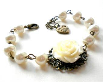 Bridesmaid Bracelet Set of 4, 5, 6  Bridesmaid Jewelry Set of 4, 5, 6 Ivory Pearl Bracelet Bridesmaid Gift Will You Be My Bridesmaid