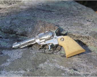 Vintage Unmarked Cap Gun with nice Indian Grips