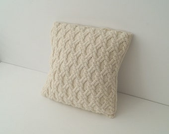 Hand knit Pillow, Knitted Cushion Cover, Cable Knit Throw Pillow, Vanilla Cream - BAYDON