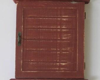 WOODEN KEY BOX with pigeons - Key Cabinet - Wall Hanging Keys Hanger - Bordeaux Shabby Chic Key Holder