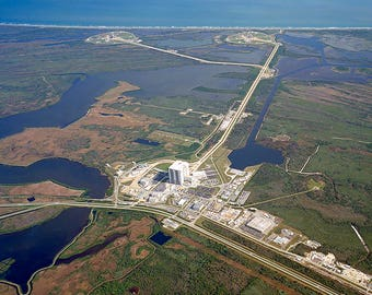Kennedy Space Center Launch Complex 39 Cape Canaveral. Aerial Print/Poster (4835)