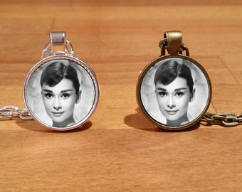 Audrey Hepburn, Audrey Hepburn Necklace, Audrey Hepburn Pendant, Silver Plated necklace, Antique Bronze necklace (4)