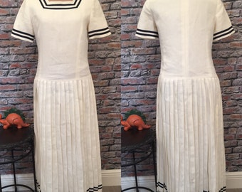 Vintage Brooks Brothers  Short Sleeve Winter White Linen Knife Pleat Maxi Dress Size 6