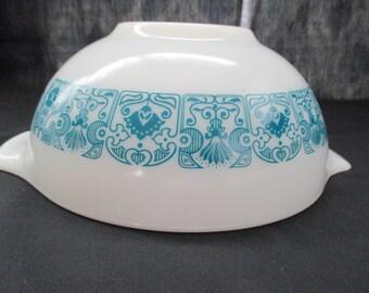 Vintage, Pyrex Horizon Blue, #443, Cinderella Mixing Bowl, 2 1/2 Quart. 1969 to 1972