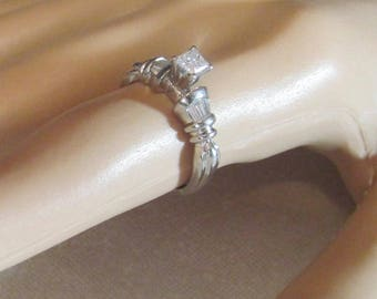 Vintage Platinum and Diamond Ring Sz 6 1/4