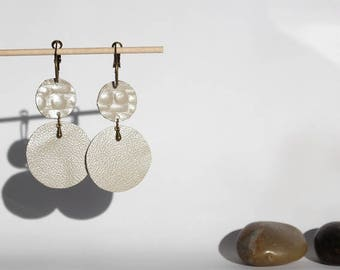 Pierced ears Collection leather 2 pastilles of crocodile leather
