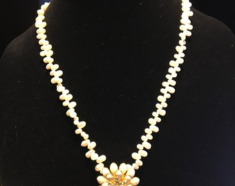 rice pearl necklace with flower pendant