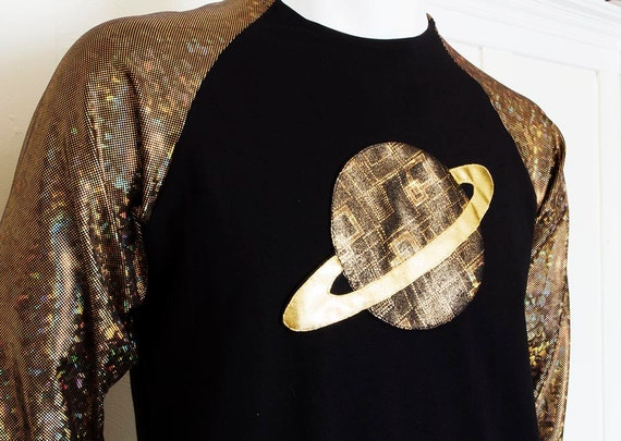 Men's Festival Baseball Shirt with Holographic Geometric Sleeves and Saturn Galaxy Planet tx3K8I