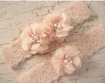 Wedding Garter Set  Bridal Garter with Toss Garter in Lavender or Blush, Wedding Garder Bridal Wedding Garter with Chiffon Blossoms