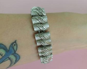 Vintage bracelet silver tone chain links costume jewellery 1960s