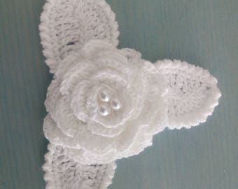 white flower cotton and white beads