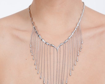 Falling Necklace