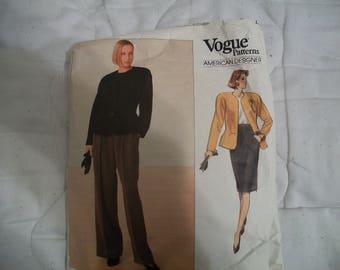 Vogue 2355  Plus Size 22 Dress Size  18, 20, 22 Vogue Patterns Anne Klein Easy Vogue Plus Size Vogue