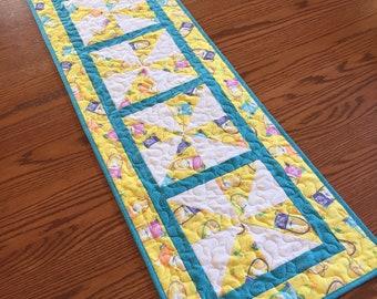Easter Pinwheel Table Runner