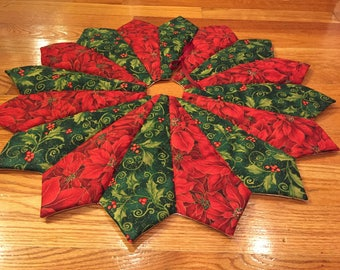 Christmas tree skirt, 26 inch diameter, table top tree skirt, mini tree skirt, holly poinsettia tree skirt, small tree skirt, red and green