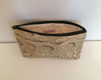 Makeup / pouch fabric lined with beige fabric framework8 Python