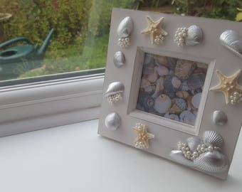 Wooden photo frame with silver shells, starfish and pearl decorations, seashell picture frame