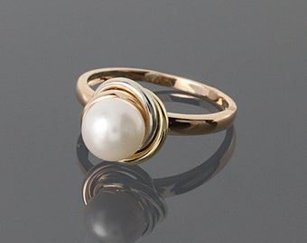 Pearl ring, Engagement ring, White pearl ring, Bridesmaid ring, Pearl jewelry gold, Solitaire ring gold, Antique ring, Victorian ring