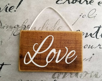 Rustic Love sign. Small Love sign. Pallet wood signs. Rustic Home Decor. Wooden Love sign. Farmhouse decor. Christmas gift. Wedding gift.