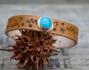 Distressed Kingman Turquoise Leather & Sterling  South Western Design. Stamped . Bracelet.