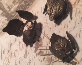 Antique brass 4 leaf bead caps 4 pc