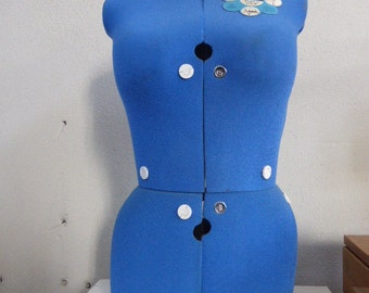 Mannequin de couturiere réglable, en tissus bleu vintage. 2 tailles, taille A buste 84/100 ou B 99/115