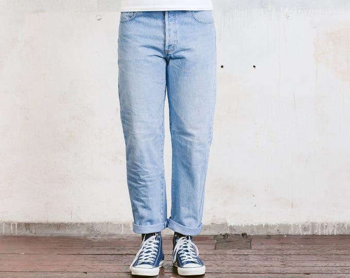 Nixon & Co Light Wash Jeans .  90s Denim Pants High Waist Dad Jeans Retro 90s Jeans Wide Leg Pants Blue Straight Jeans . sz Medium