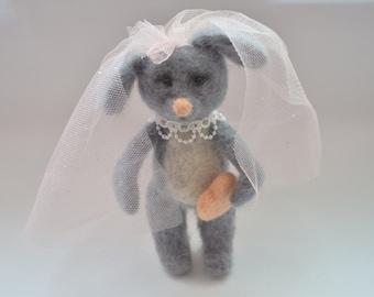 Needle felted mouse,wedding gift,home decor,felting mouse,needle felting,felt animal,mouse bride,felt mouse,gift,needle felting toy,felt toy