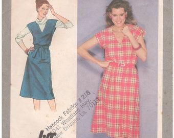 1980 - Simplicity 9423 Vintage Sewing Pattern Sizes 18/20 Jiffy Pullover Dress Jumper Deep V Extended Shoulders Easy Sleeveless Below Knee
