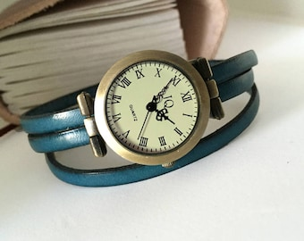 Ladies leather watch turquoise