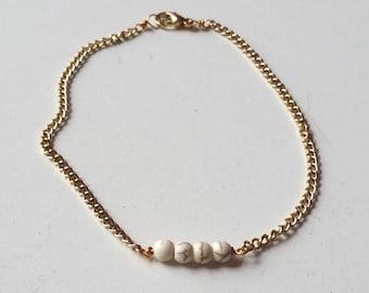Howlite Dainty Bead Bracelet