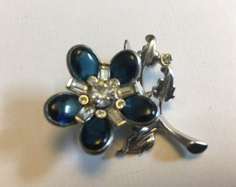 Barclay brooch with sapphire glass floral design and clear rhinestones   VJSE