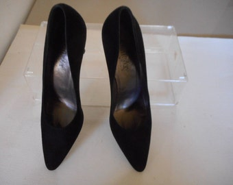 Vintage Ann Taylor Solid Black Suede Classic Pumps with 3 Inch High Heels Size 8 1/2 N AA Narrow Made in Italy Women's Italian Leather Shoes