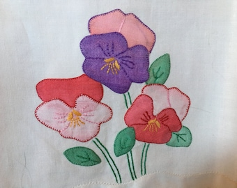 Vintage White Hand Towel/Appliqued Flowers/White/Embroidered