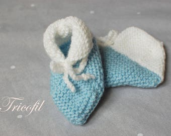 Hand knitted baby booties white and blue