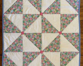 Quilted - Daisey - Table - Topper