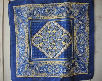 vintage 1980s oversized bandana scarf cotton and polyester washable made in the USA  crafted with pride in America 30 x 31 inches