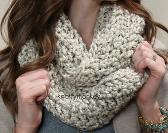 Chunky Crochet Infinity Scarf - Oatmeal - Fashion Accessories - Knit Scarf