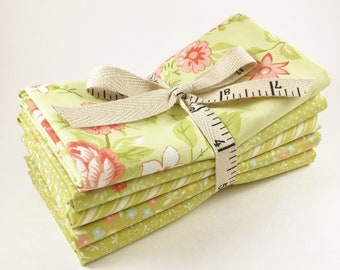 Ella and Ollie Fabric - Fat Quarter Bundle - Fig Tree Fabric Bundle - Moda Fabric - Apple Green - 5pc