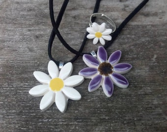 Daisy necklace coral pink purple daisy yellow sunflower colour options