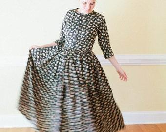 Garden Dress - Prairie Dress Made to measure reenactment pioneer prairie costume movie costume play costume custom costume dress