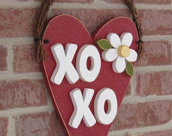RED HANGING HEART xoxo for valentine, february, door and home wall hanging decor