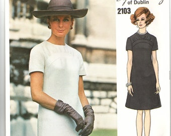 Vogue Couturier Design 2103  Sybil Connolly of Dublin Semi-fitted A-line Dress