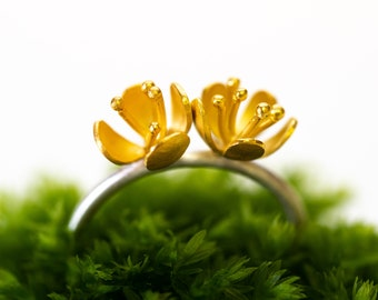 Buttercup ring with double flower