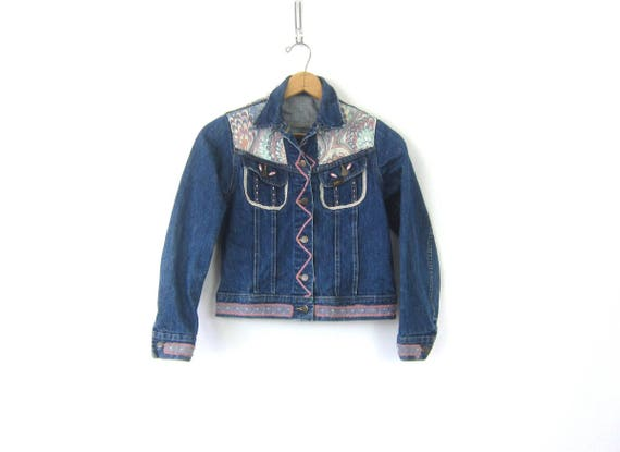 Patched Jean Jacket Retro LEE Coat Hipster Festival Jacket Beads and Patches MN Small Fit Pattern Print Coat Women's size XS