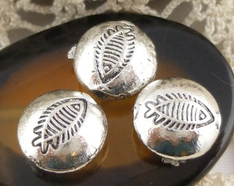 Fossilized Fish Skeleton Bones Fossil Metal Spacer Bead, Antiqued Silver (6) - SF1