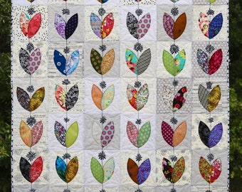 Petal Pushers Quilt Pattern by Leslie McNeil of MarveLes Art Studios - Print Pattern