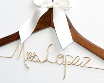 Wedding Gift,Bride hanger,Bridal Shower Gift, Personalized Bride Hanger, custom wedding hanger for bride, Bride and Bridesmaid dress hanger,