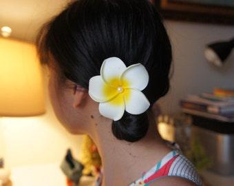With Pearls! White Hawaiian Plumeria Frangipani Flower Hair Clip, Tropical Wedding, Beach, Bridal Hair clip